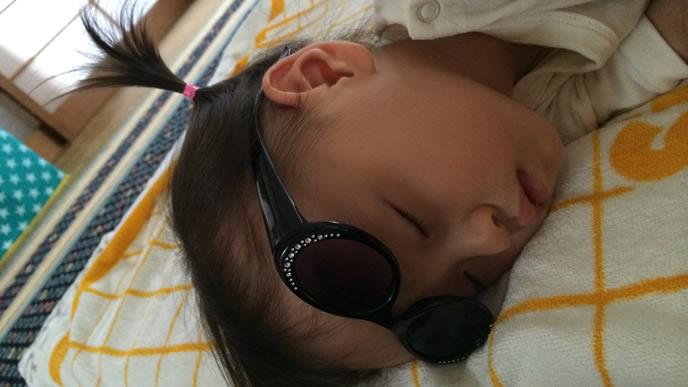 オシャレ中に眠くなった女の子