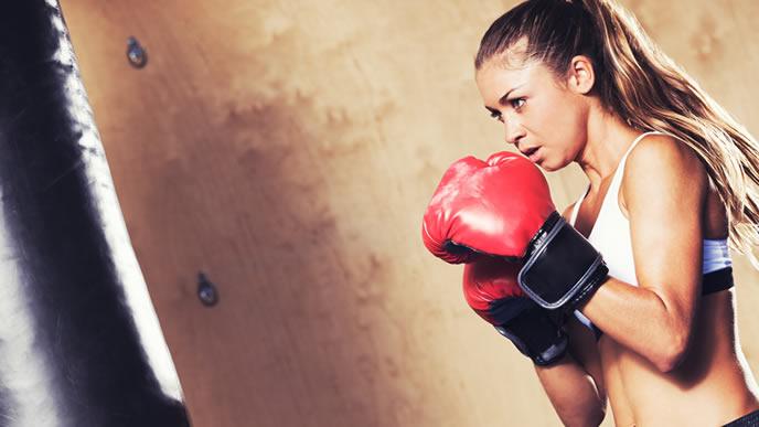 ボクシングの修行中のママ