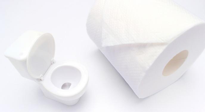 トイレットペーパーにスプレーするタイプの掃除