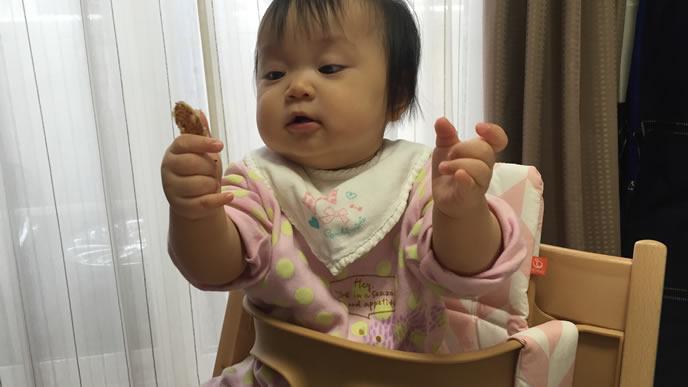 食べ物が気に入らない赤ちゃん