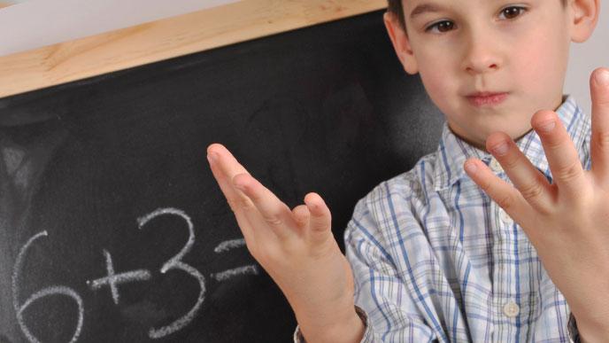 足し算を始めたばかりの幼児~小学校1年生前半なら指でもOK