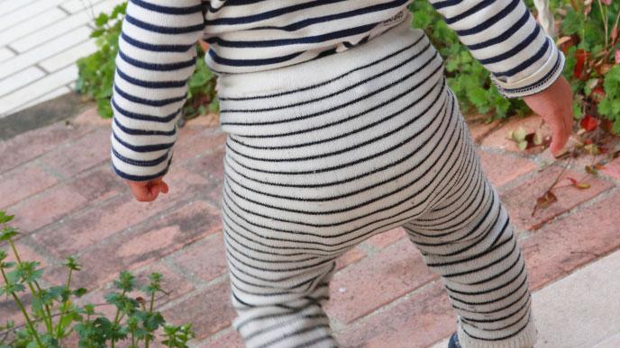 赤ちゃんの自立への第一歩