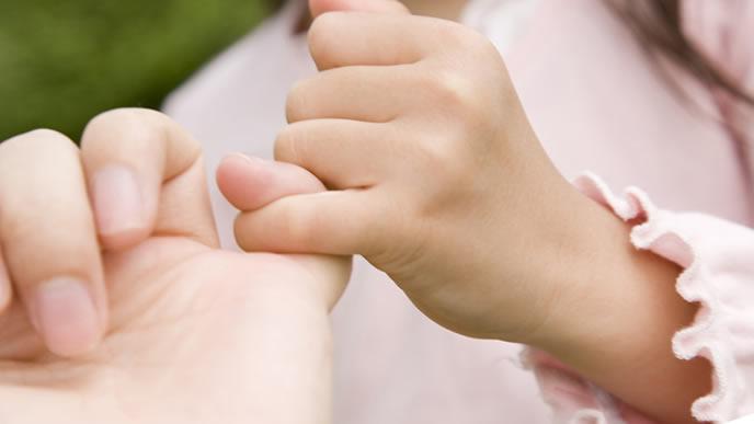 子供と大切な約束をするママ