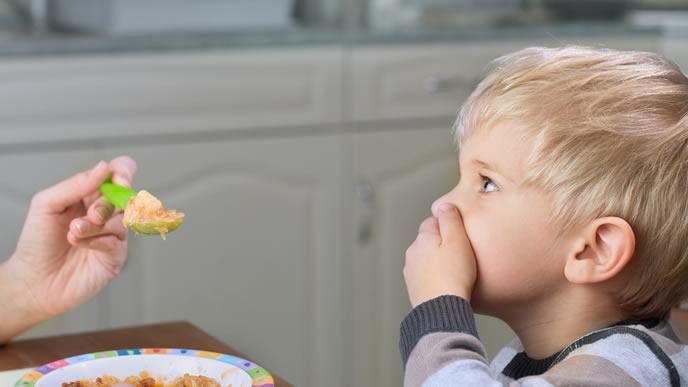 食べ物の匂いが苦手な男の子