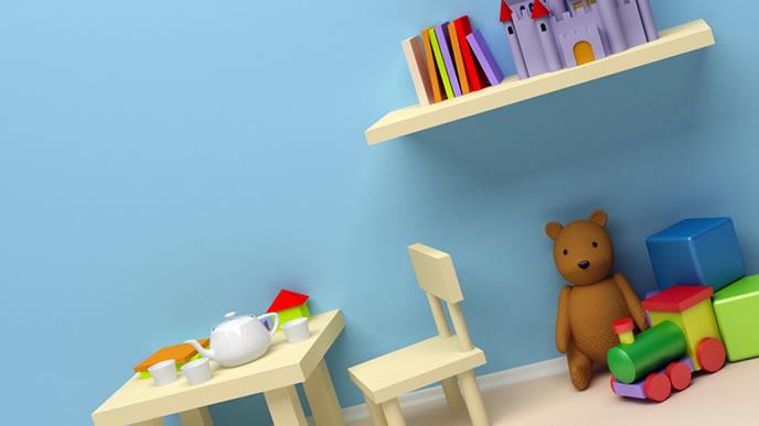 重曹で綺麗に掃除された子供部屋のクロス