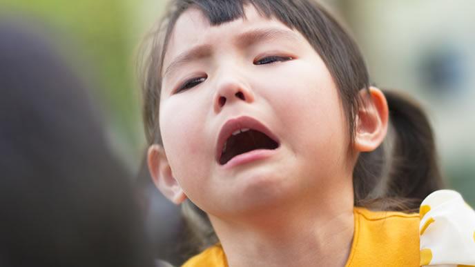 ママに怒られて泣きじゃくる子供
