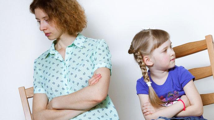 反抗期の子供とママ