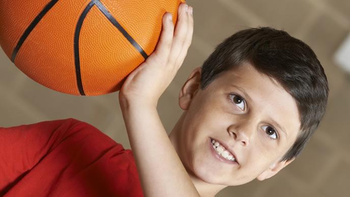膝に負荷がかかるバスケットボール