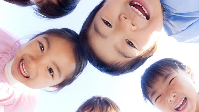 みんな仲良しの幼稚園の園児