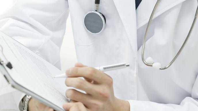 3歳児健診の問診を担当する医師