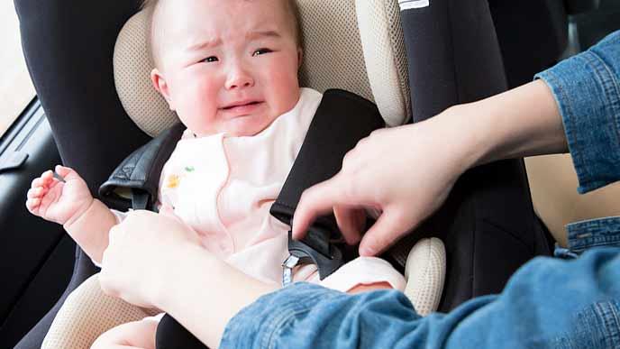 保育園から具合の悪くなった子供を引き取る親