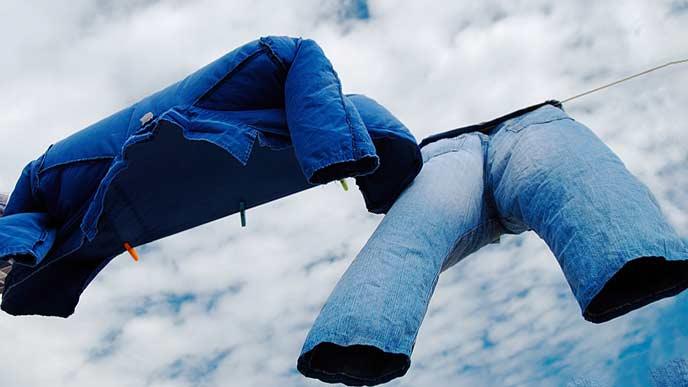 風を受ける洗濯もの