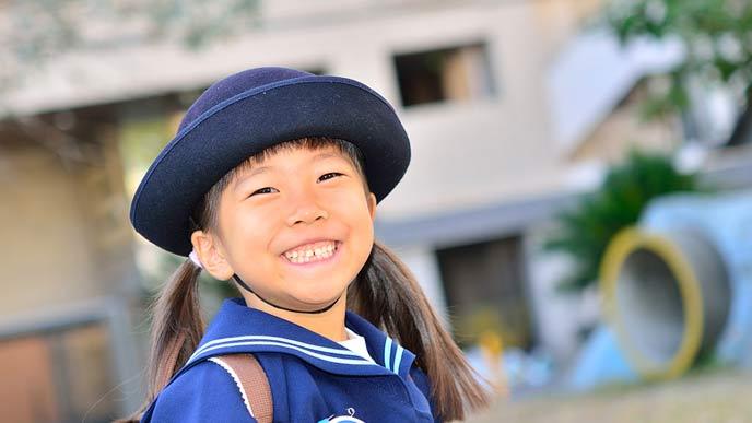 幼稚園に通う女の子