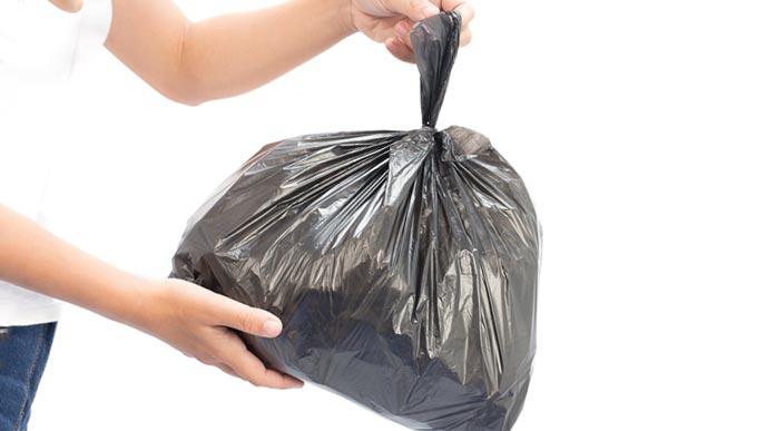ゴミ袋を廃棄