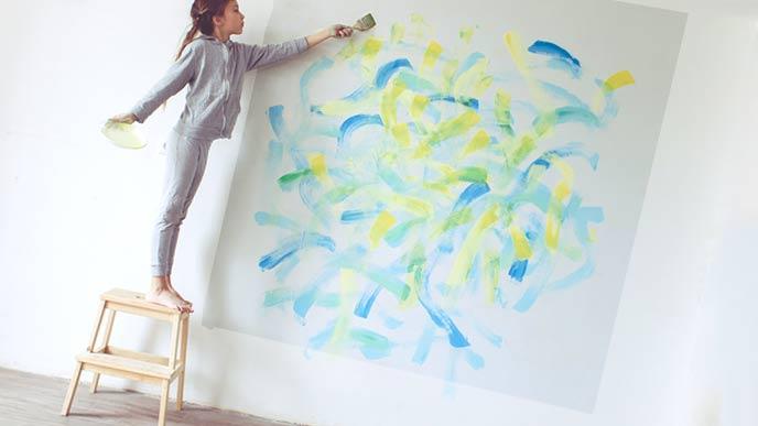 壁に貼れる落書き用紙
