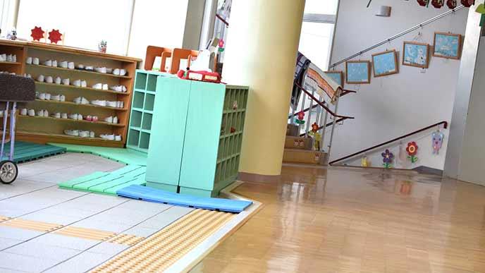 幼稚園の玄関