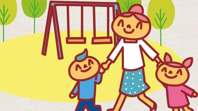 子供と一緒に公園に来た母親