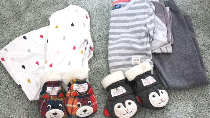 熊とお猿さんの子供用手袋と洋服
