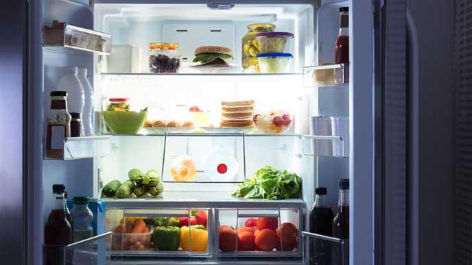 整理された冷蔵庫の中