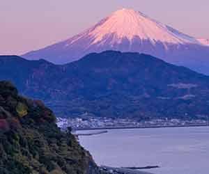 静岡県駿河湾と富士山