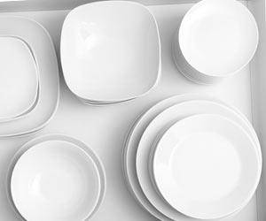 平積みされた皿