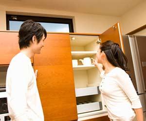 夫婦で使う食器棚