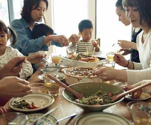 親同士で交流する食事会
