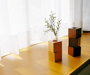 木製のインテリア花瓶