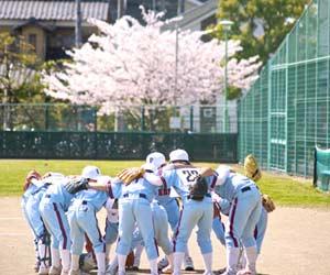 休日に試合をする少年野球