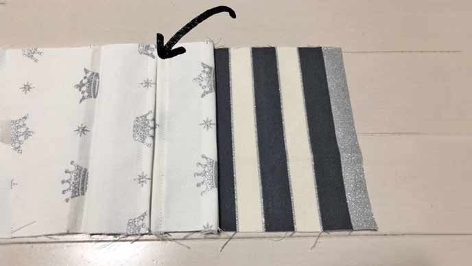 縫い付けたCとDの布とBの布のティッシュケースの口になる部分を合わせた状態